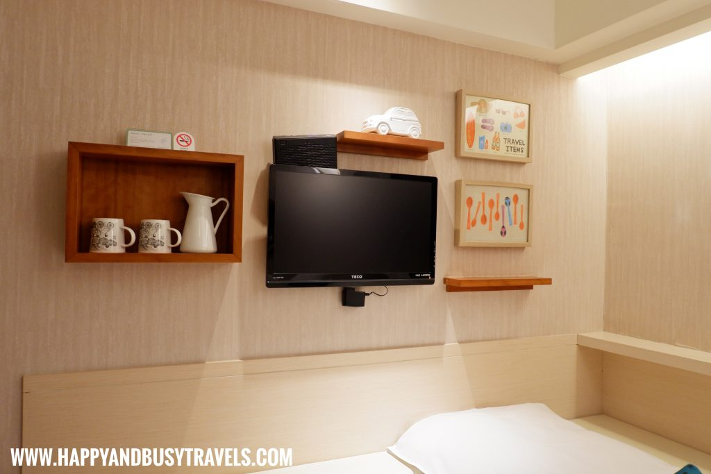 Television of Orange Hotel Ximen review of Happy and Busy Travels to Taiwan