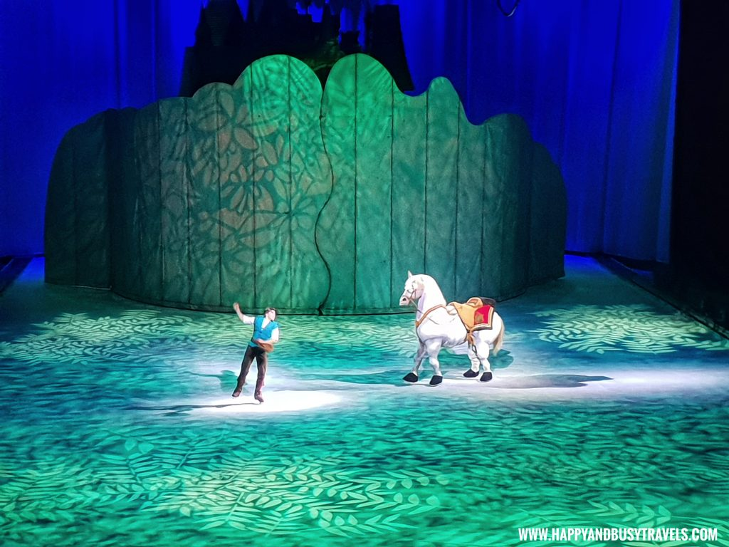 Disney on Ice 2019 flynn rider and maximus tangled