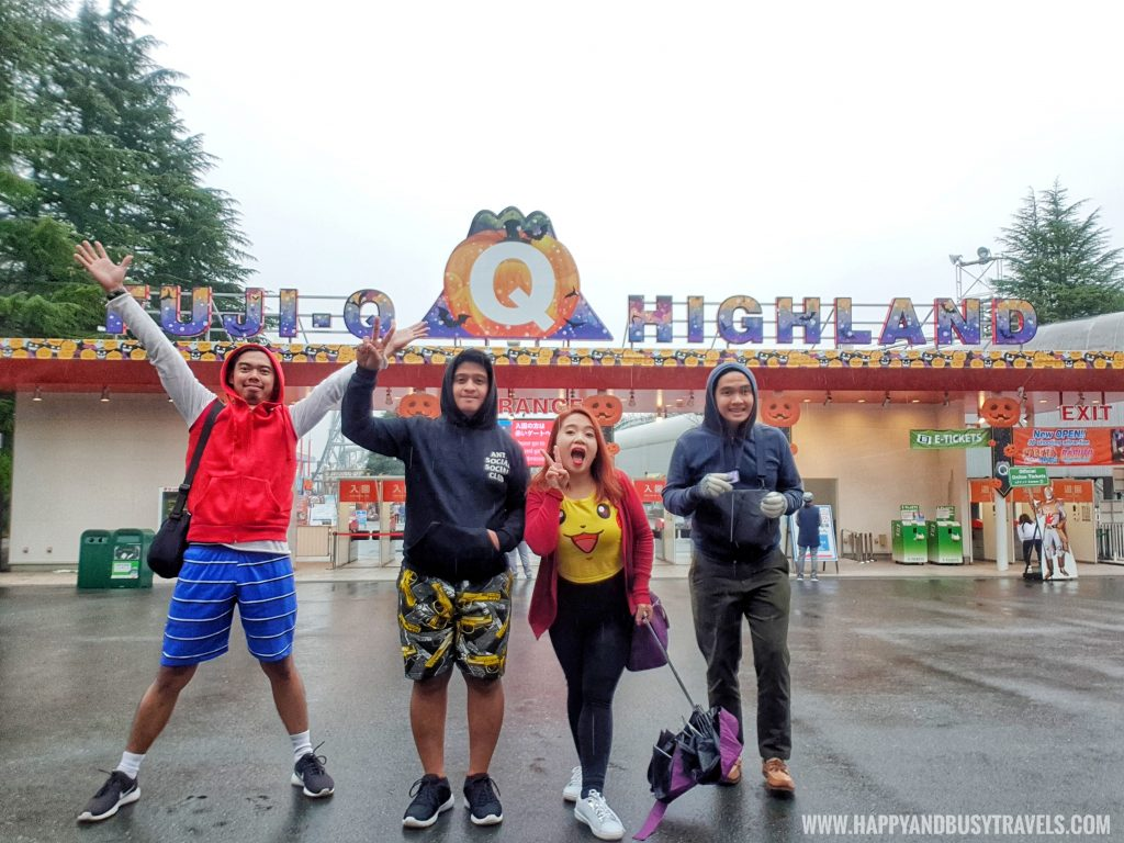 rainy day in Amusement Park Tokyo Japan review and experience of Happy and Busy Travels
