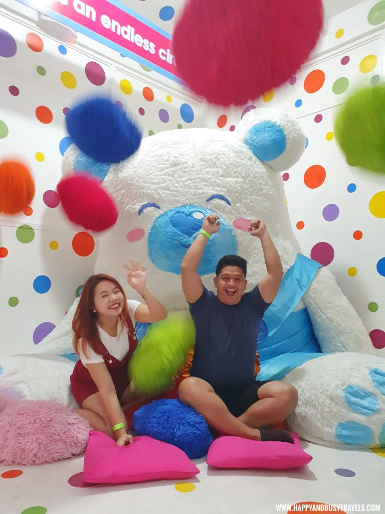 pillow fight in Bearseum teddy Bear Museum in Tagaytay City Happy and Busy Travels review