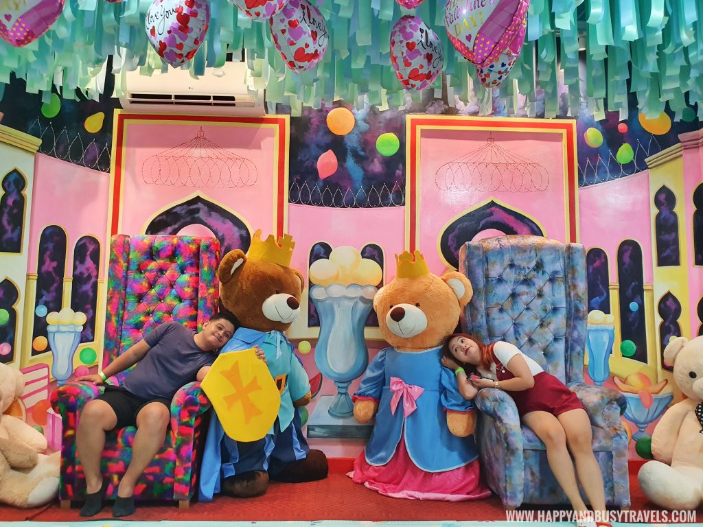 King and Queen teddy bear Bearseum Bear Museum in Tagaytay City Happy and Busy Travels review