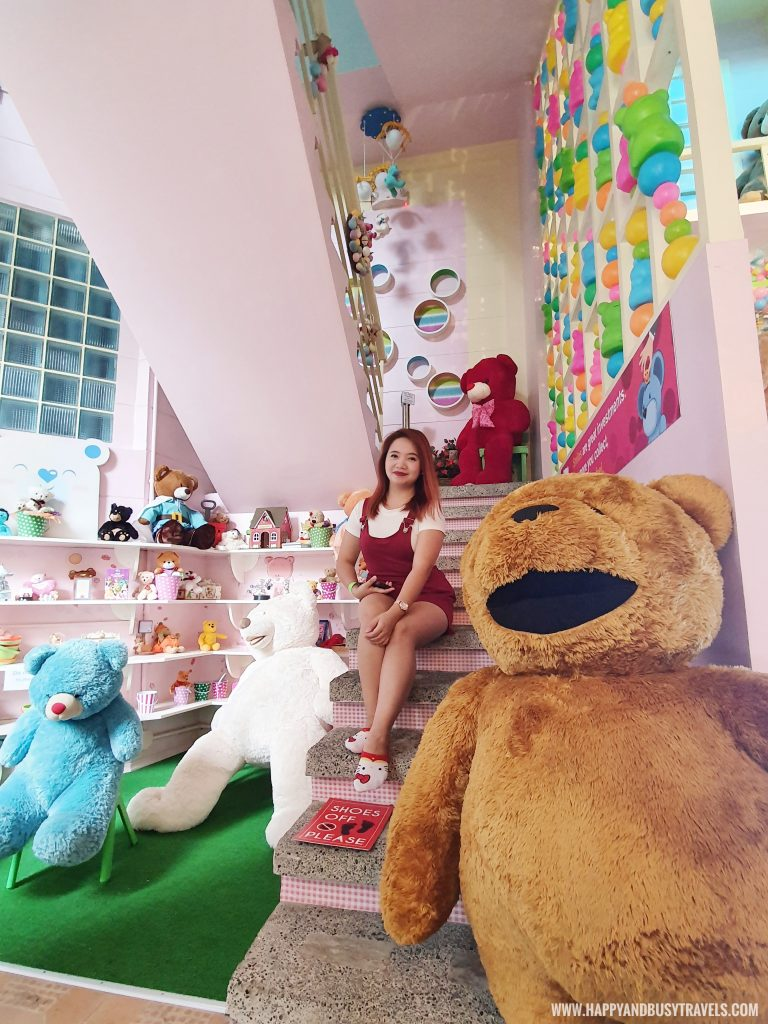 waiting area of Bearseum teddy Bear Museum in Tagaytay City Happy and Busy Travels review