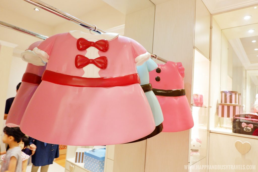 clothes of hello kitty