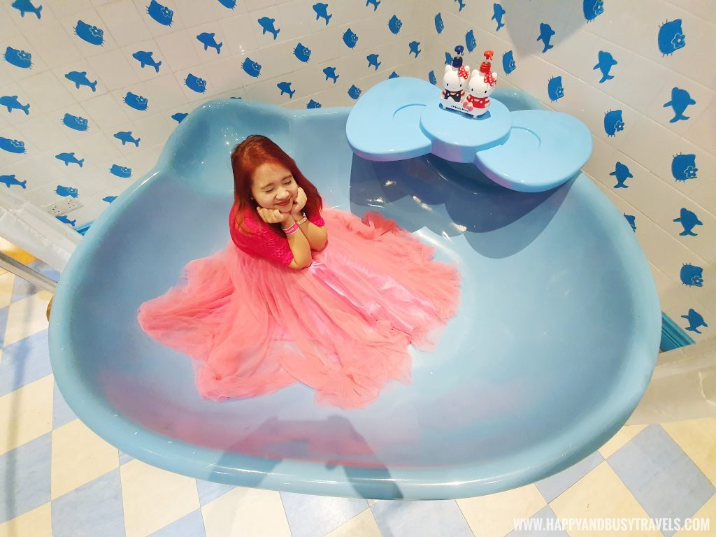 Enjoying the bathtub of hello kitty in Hello Kitty Town Puteri Harbour Johor Malaysia Happy and Busy Travels