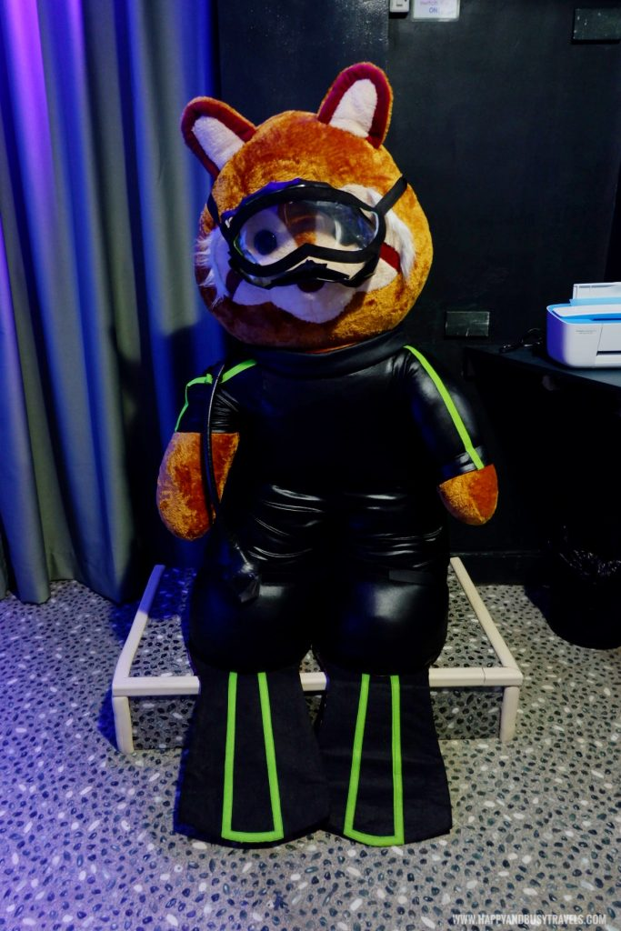 Freediving teddy bear Atlantis room Bearseum Suites Hotel in Tagaytay Happy and Busy Travels review