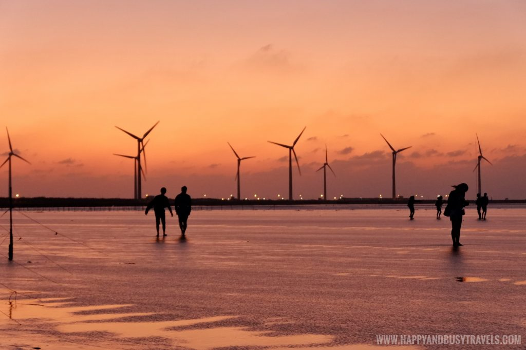 windmills sunset in Gaomei Wetlands 高美溼地 Taichung - Happy and Busy Travels to Taiwan