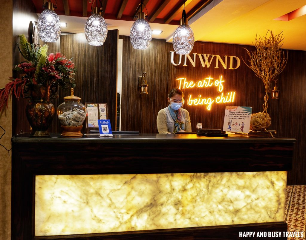 lobby Unwnd Lux Hostel Poblacion Makati - Happy and Busy Travels review