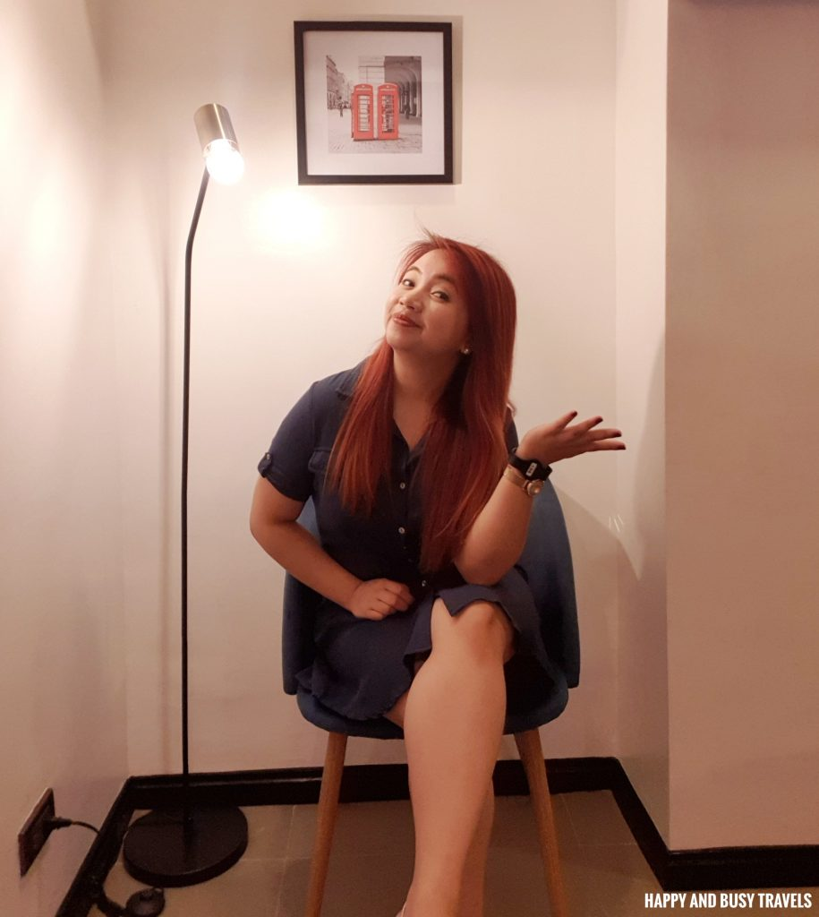 twin room Unwnd Lux Hostel Poblacion Makati - Happy and Busy Travels review